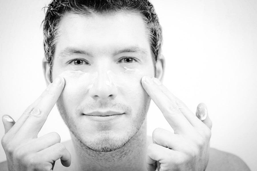 Sai lầm khiến mụn ngày càng trầm trọng ở nam giới