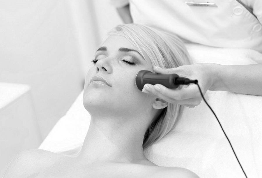 Điều trị mụn bằng laser có thực sự hiệu quả?